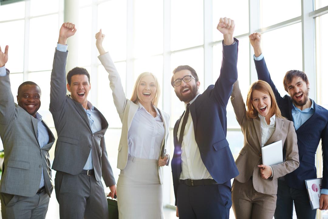 Premiação corporativa: colaboradores comemorando sucesso